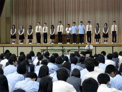 新生徒会執行部候補者が登壇
